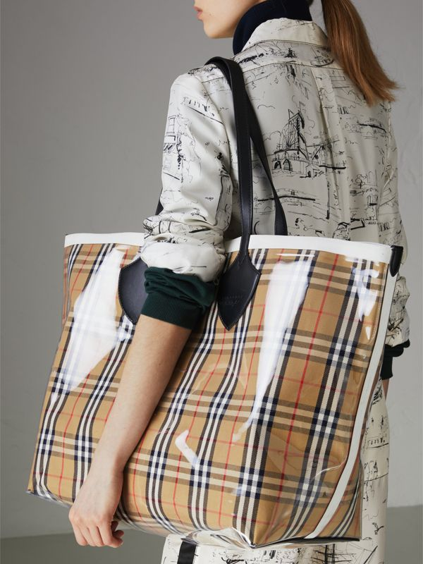 The Giant Tote in Plastic and Vintage Check in Antique Yellow/white - Women | Burberry - cell image 3