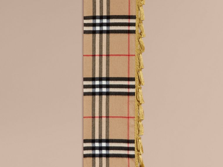 The Classic Cashmere Scarf in Check with tassels - cell image 1