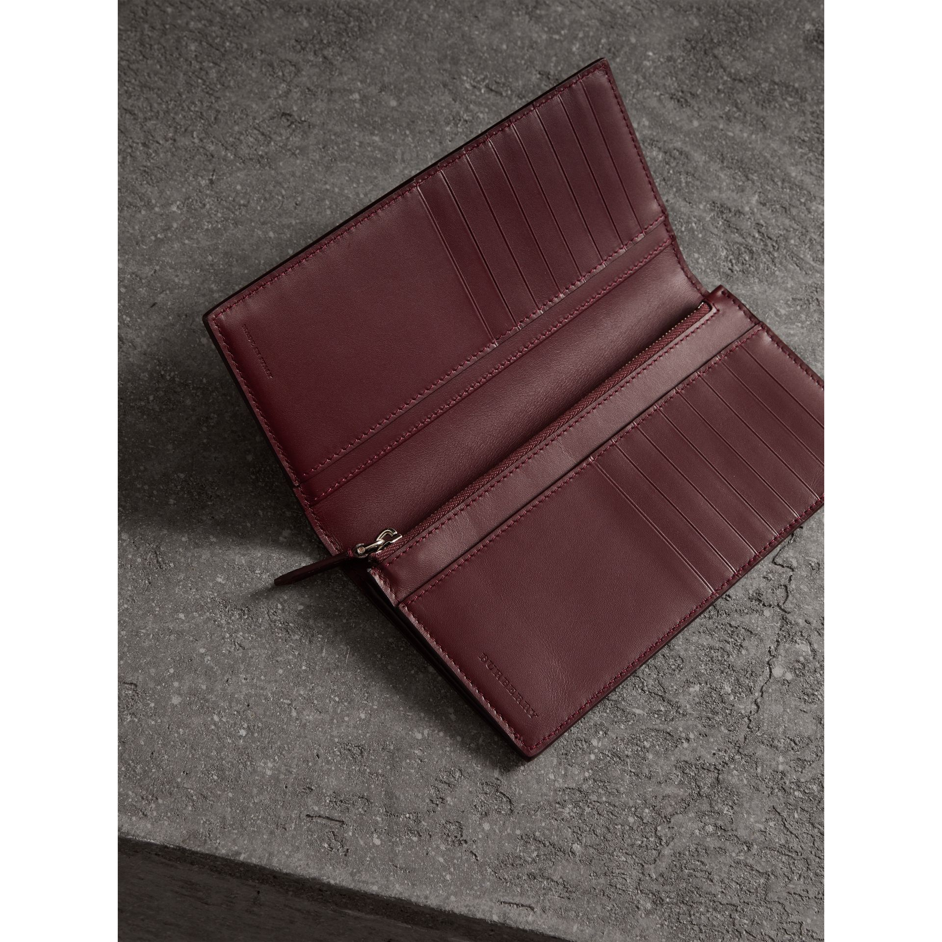 London Leather Continental Wallet in Burgundy Red - Men | Burberry Hong Kong - gallery image 3