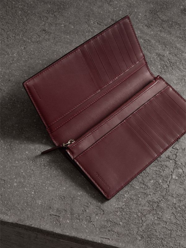 London Leather Continental Wallet in Burgundy Red - Men | Burberry Hong Kong - cell image 3