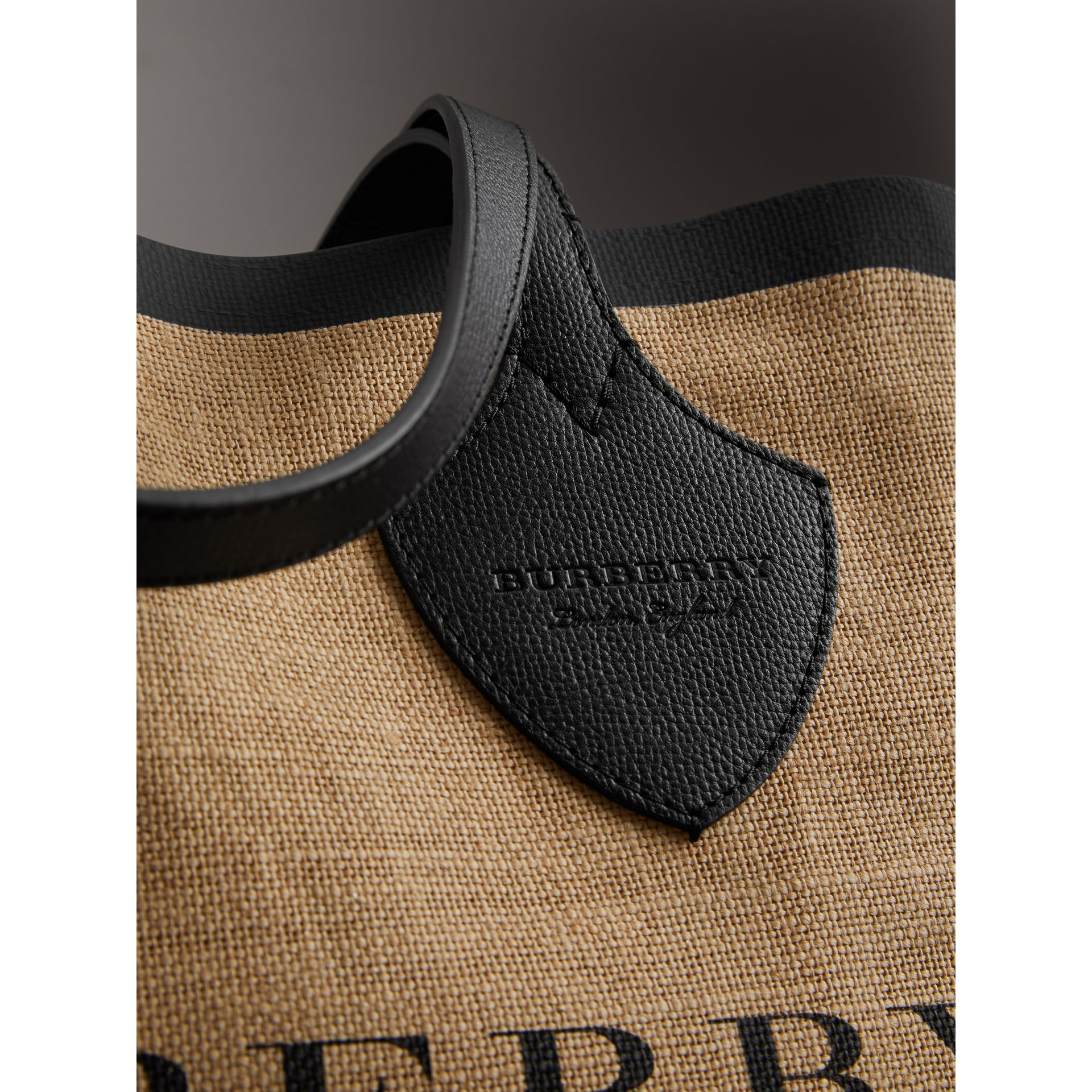 The Medium Giant Tote in Graphic Print Jute in Black - Women | Burberry Australia - gallery image 1