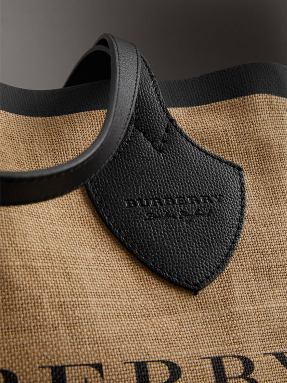 The Medium Giant Tote in Graphic Print Jute in Black - Women | Burberry Australia - cell image 1
