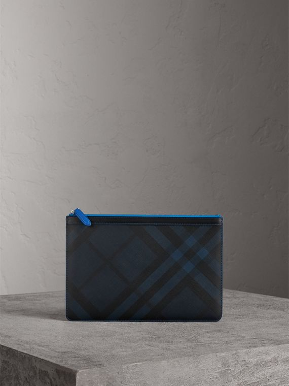 Zip-top London Check Pouch in Navy/blue