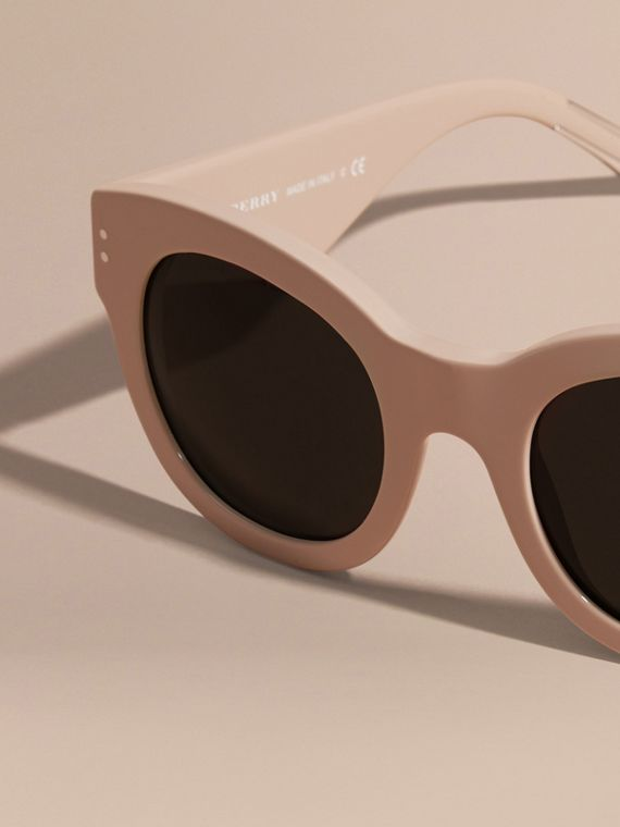 Nude Cat-eye Sunglasses Nude - cell image 3