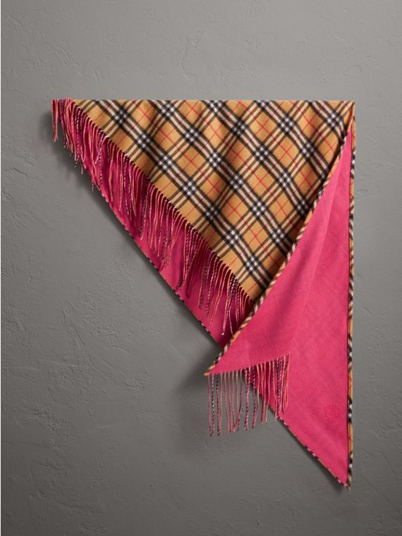The Burberry Bandana in cashmere neon con motivo Vintage check (Peonia Intenso)