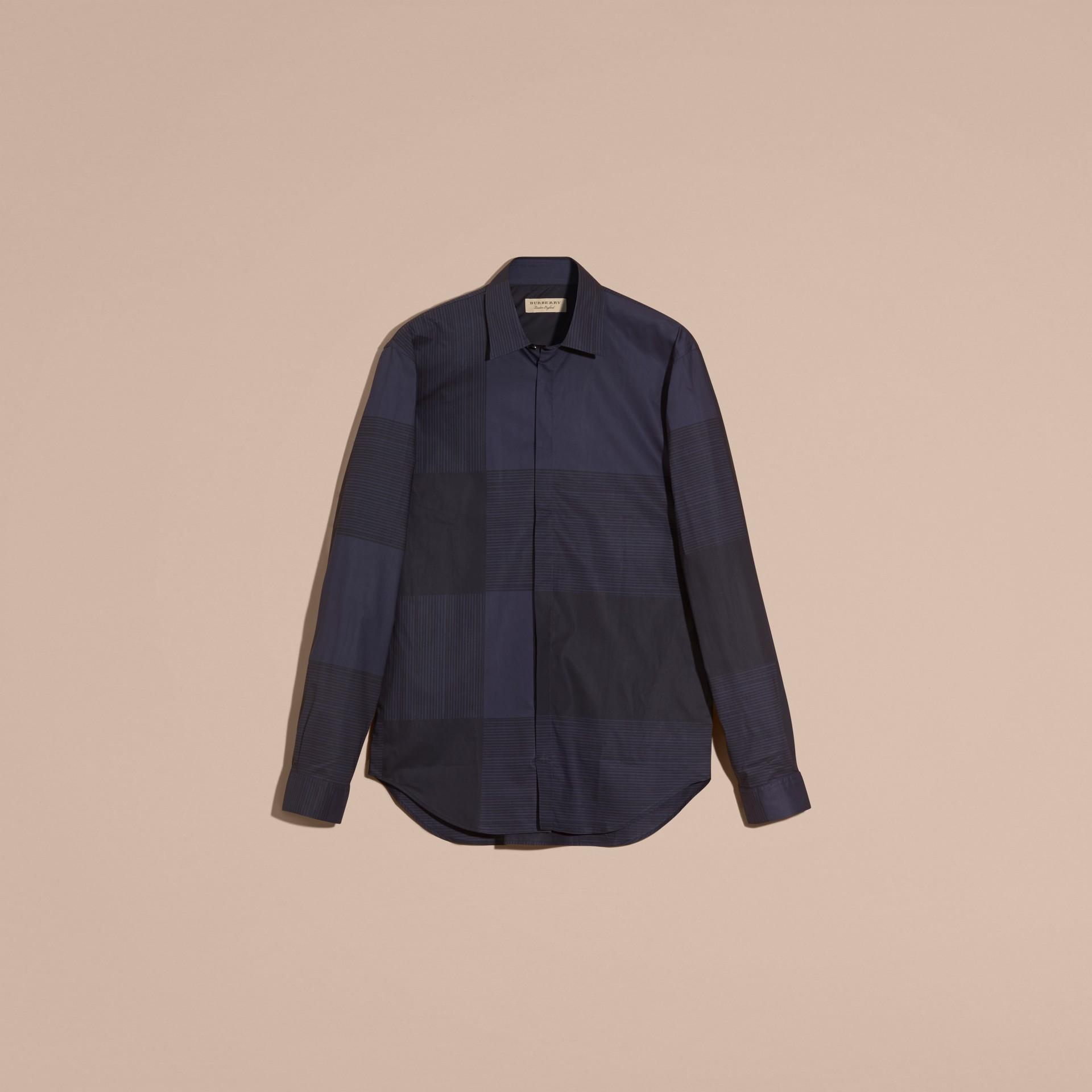 海軍藍 格紋棉質襯衫 海軍藍 - 圖庫照片 4