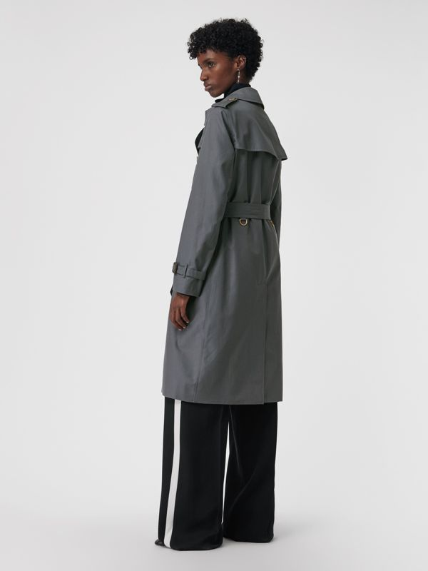 The Long Kensington Heritage Trench Coat in Mid Grey - Women | Burberry United Kingdom - cell image 2