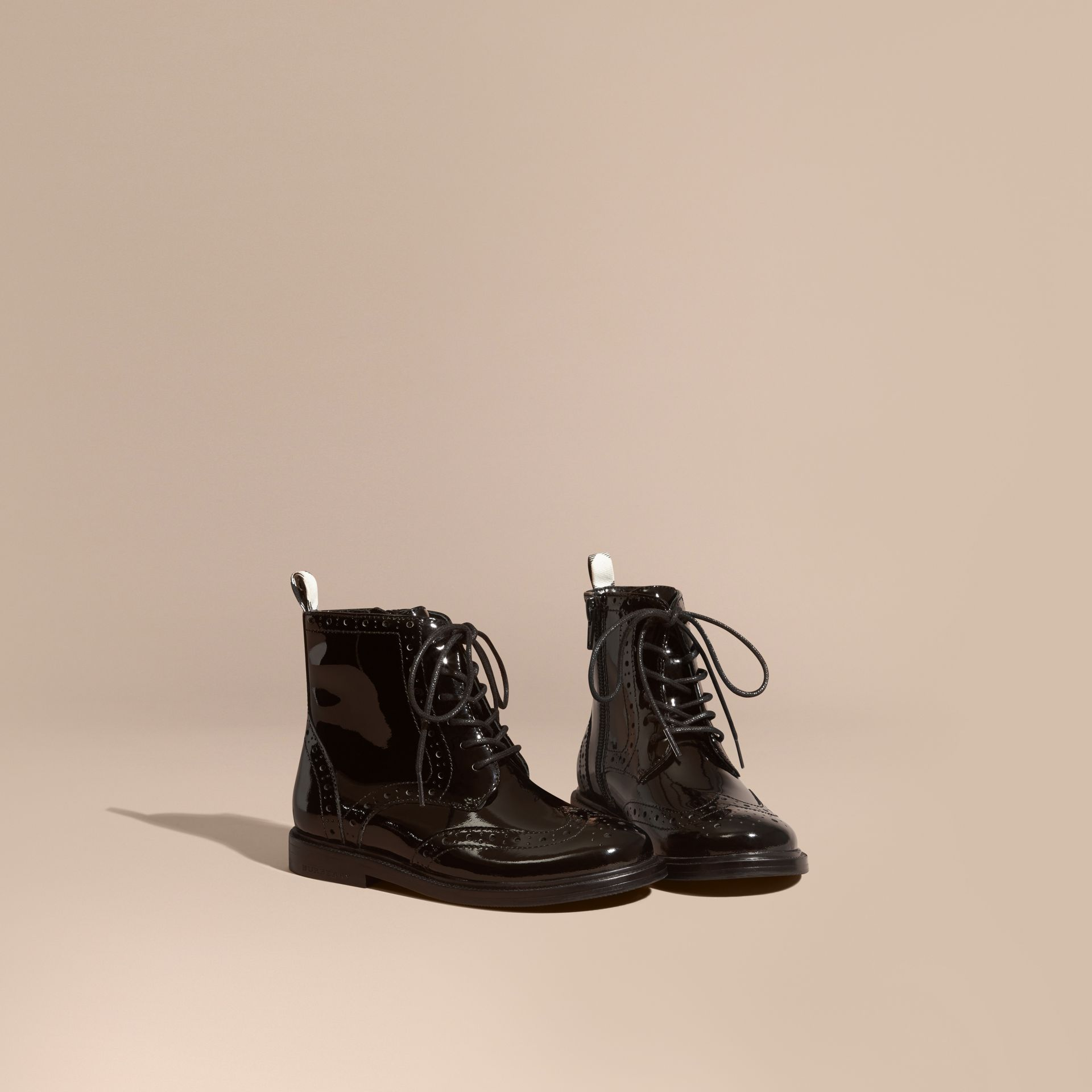 Noir Bottines Richelieu à lacets en cuir verni - photo de la galerie 1