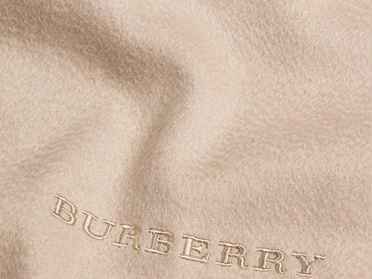 The Classic Cashmere Scarf in Stone | Burberry - cell image 4