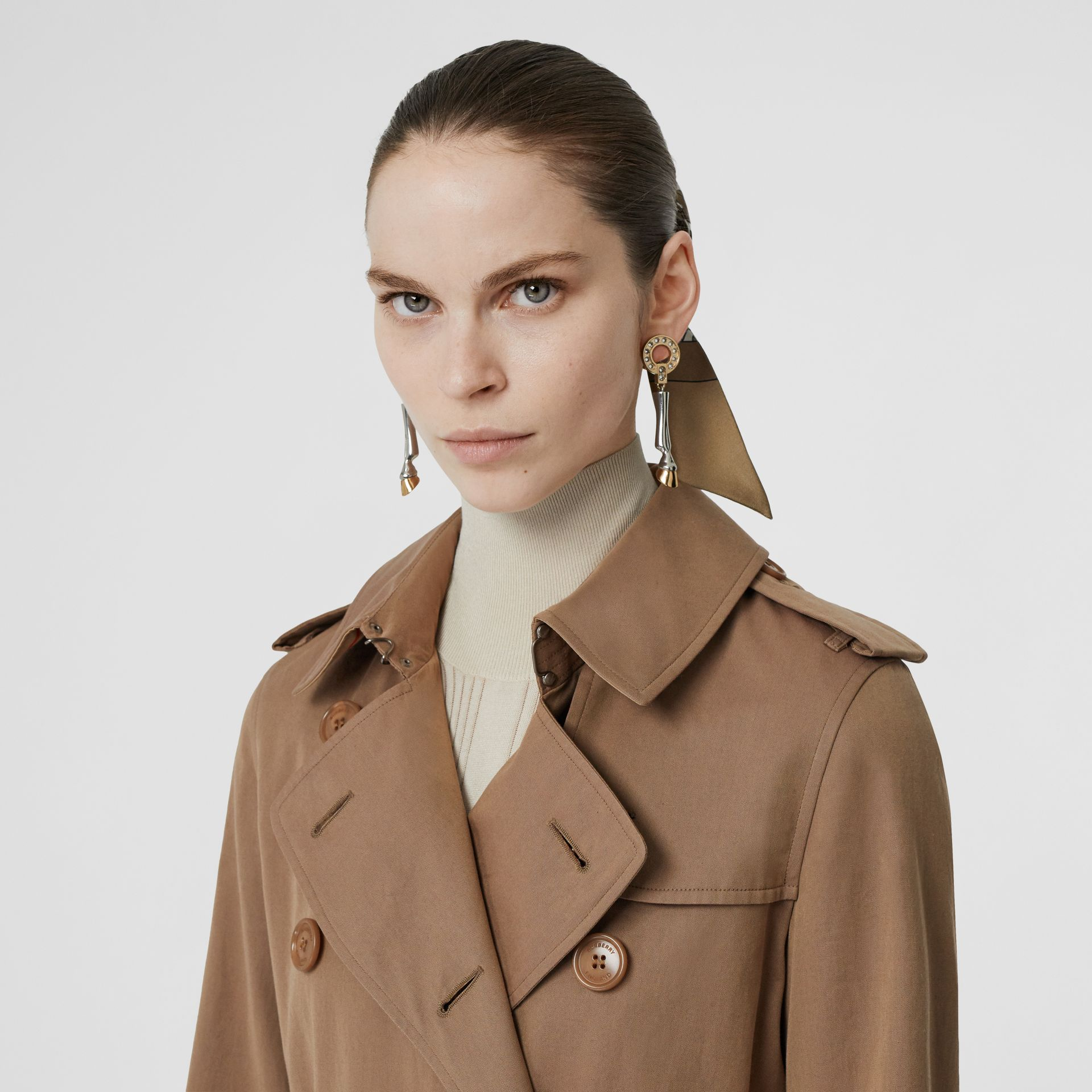 Tropical Gabardine Trench Coat in Taupe - Women | Burberry United Kingdom - gallery image 5