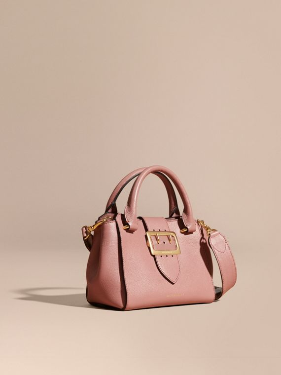 Petit sac tote The Buckle en cuir grainé Rose Cendré