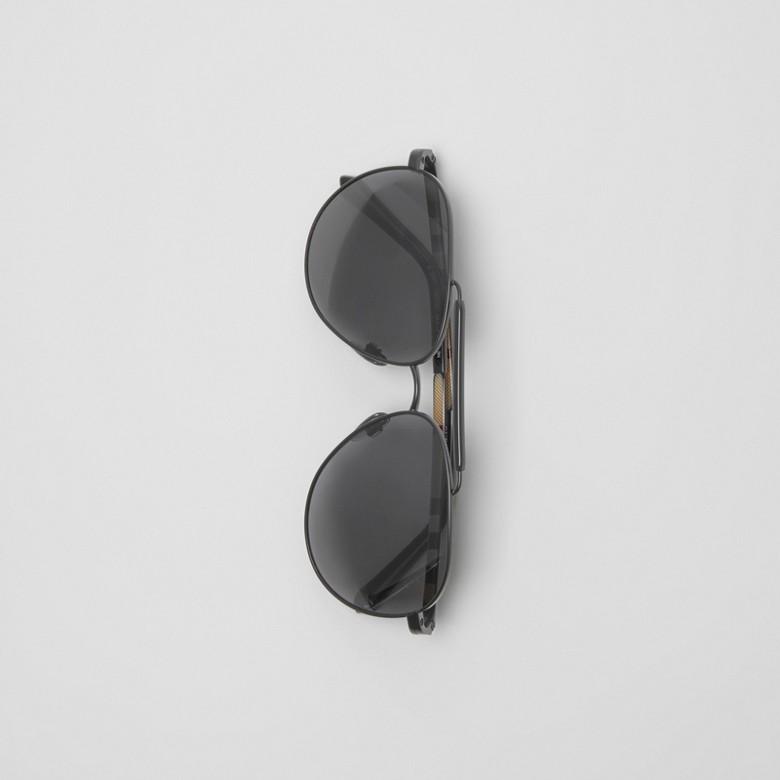 Burberry - Fliegersonnenbrille mit oberer Rahmenlinie - 4
