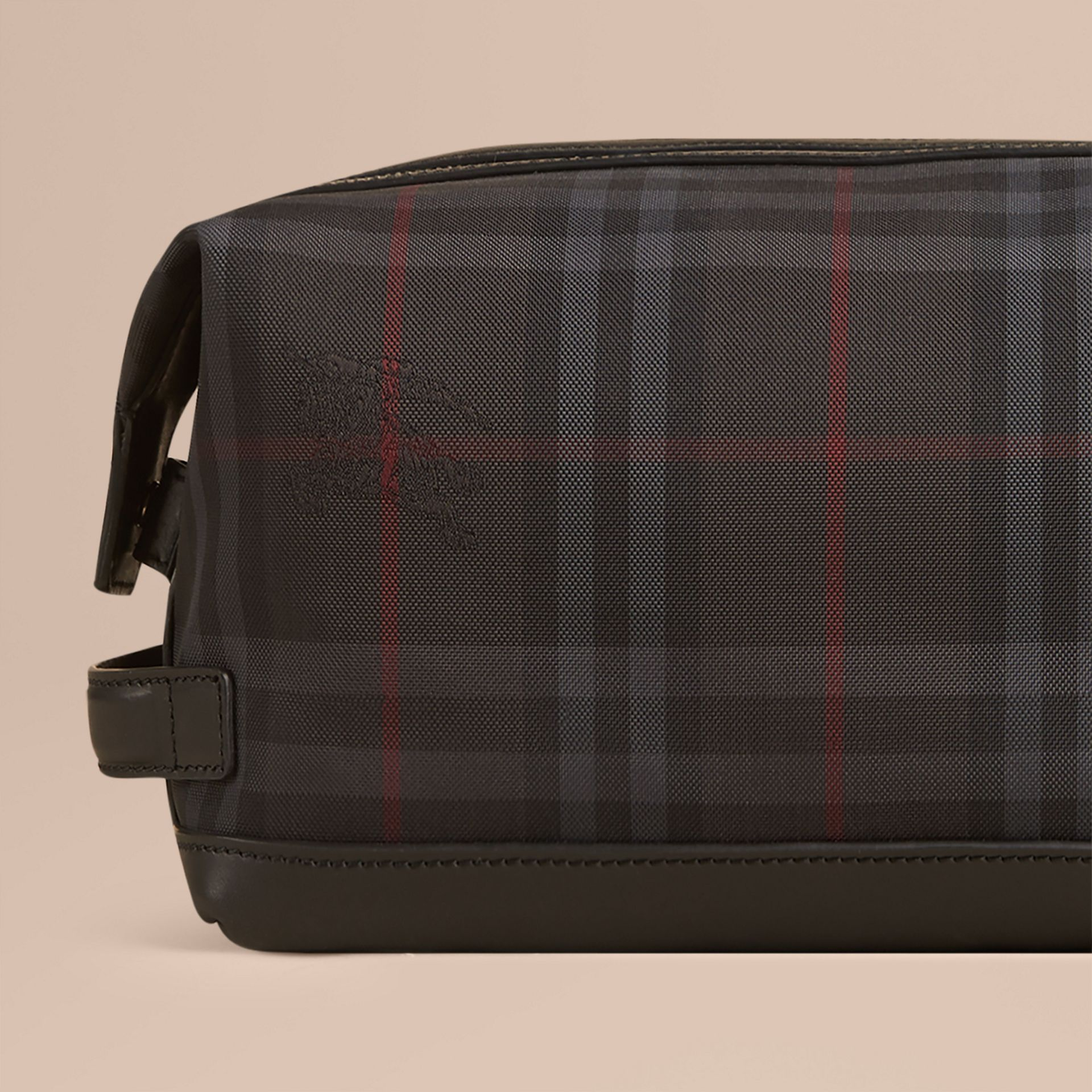 Charcoal/black Horseferry Check and Leather Washbag - gallery image 5
