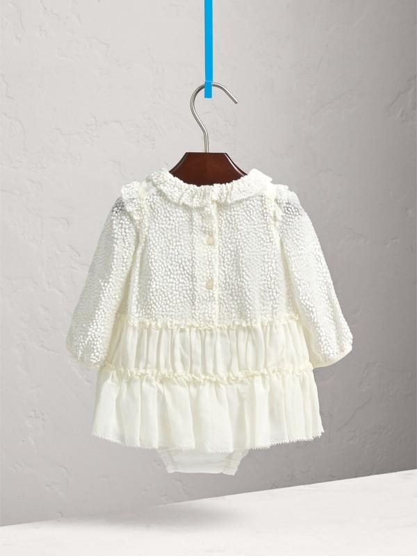 Vestitino dévoré in chiffon di seta con pantaloncini bloomer (Bianco) | Burberry - cell image 3