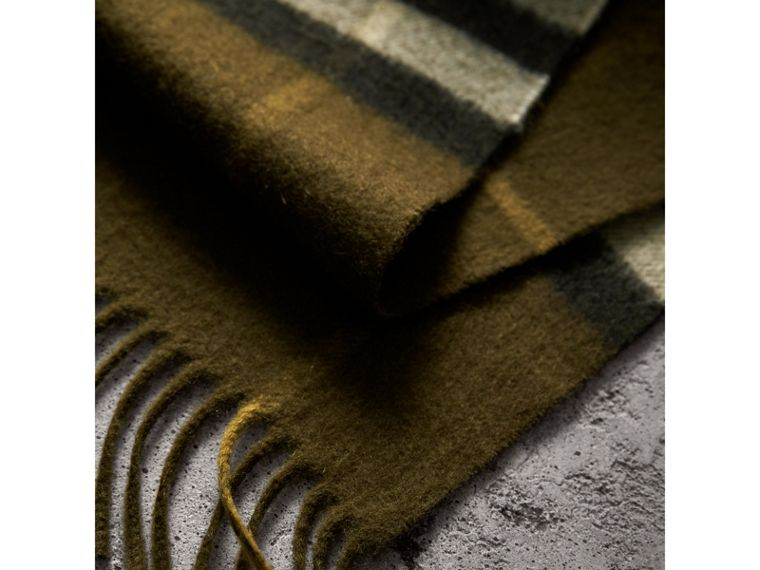 The Classic Check Cashmere Scarf in Olive Green | Burberry - cell image 4