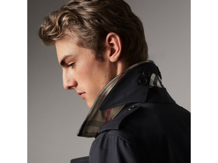 The Kensington – Mid-length Heritage Trench Coat in Navy - Men | Burberry Canada - cell image 1