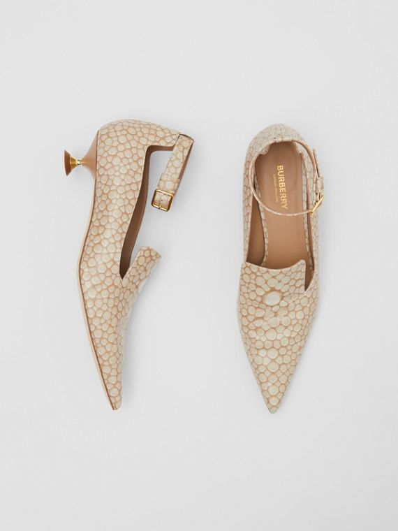 Stingray Print Leather Point-toe Kitten-heel Pumps in Nude