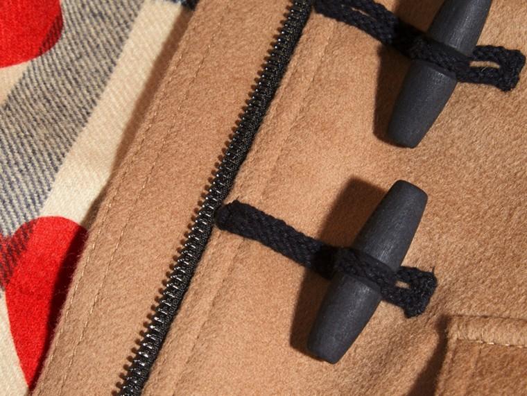 Neues camelfarben Dufflecoat aus Wolle mit einem Futter mit Check- und Herzmuster - cell image 1