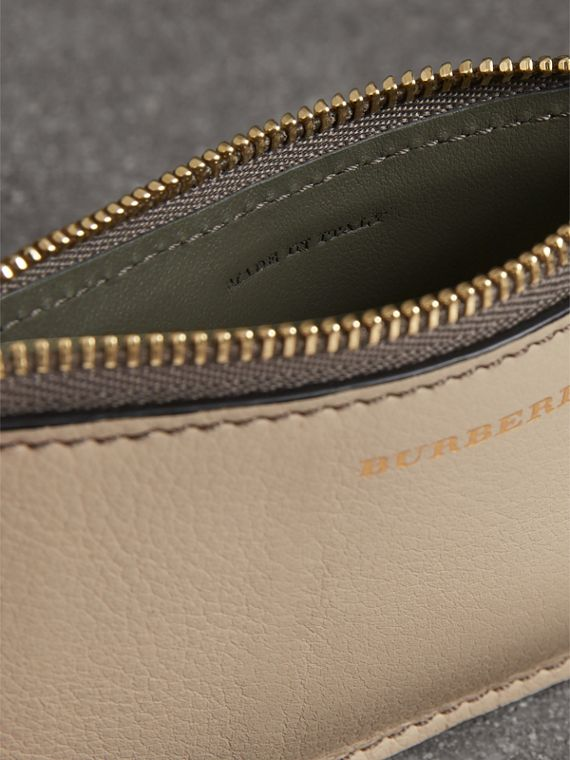 Two-tone Leather Card Case in Limestone | Burberry Hong Kong - cell image 3