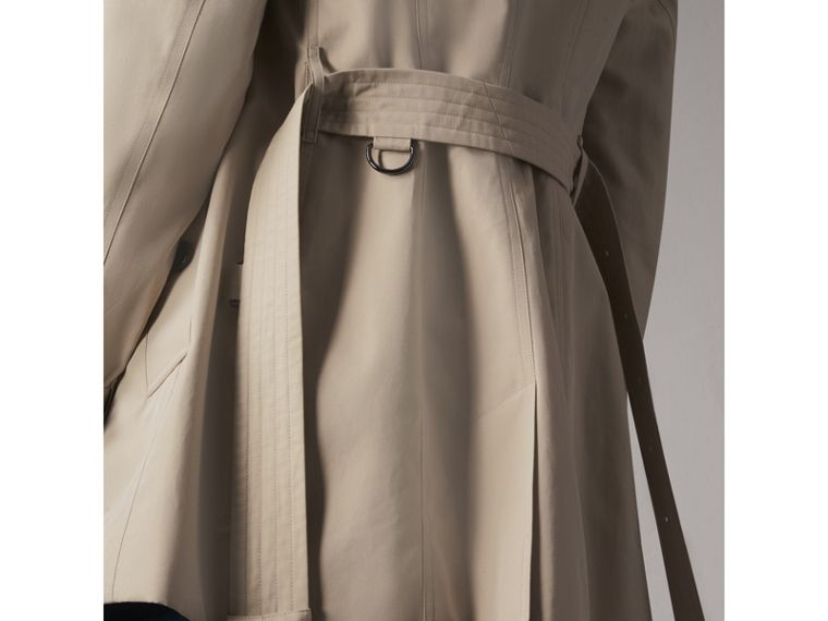 The Sandringham – Short Trench Coat in Stone - Women | Burberry Singapore - cell image 4