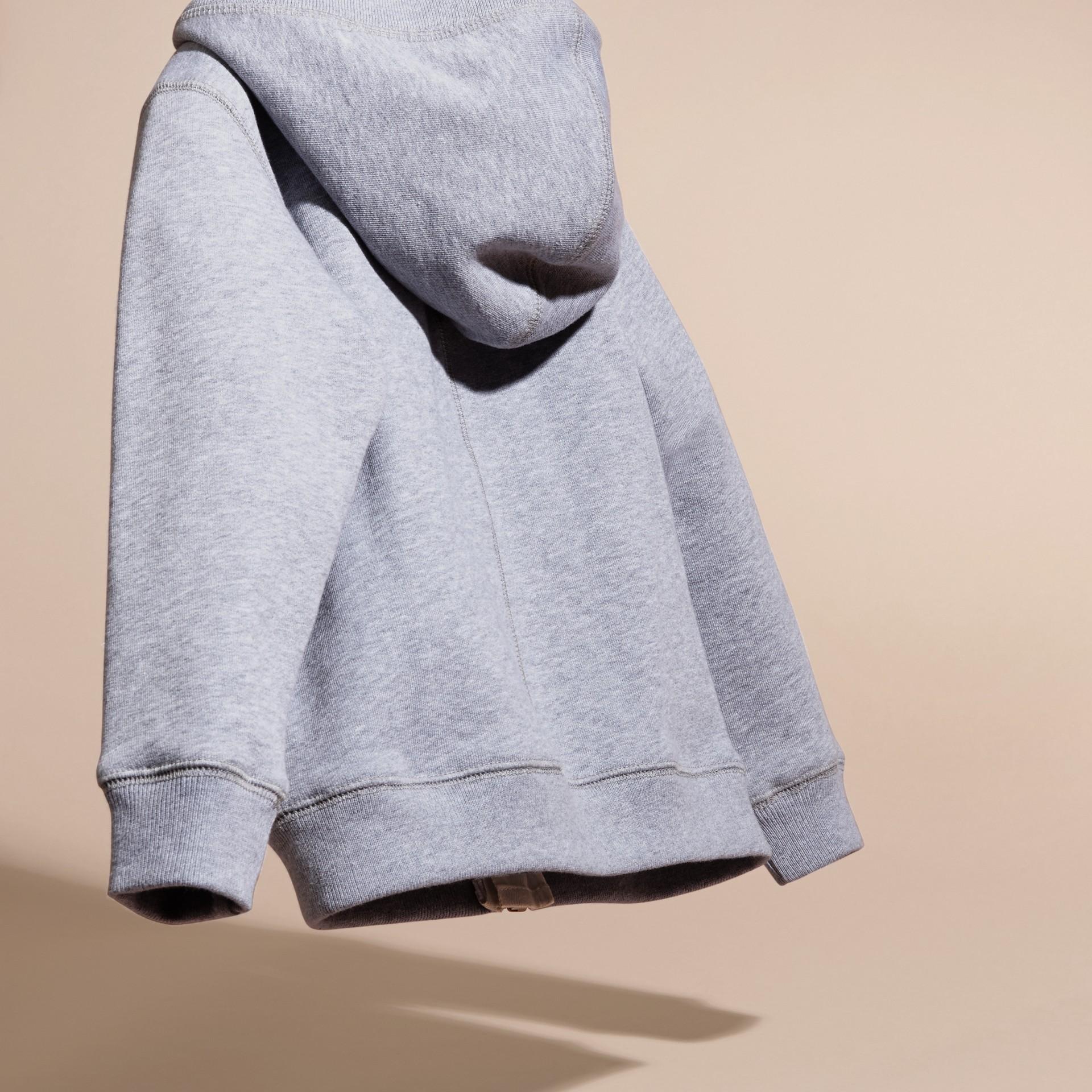 Camaïeu de gris moyens Haut en coton à capuche Camaïeu De Gris Moyens - photo de la galerie 4