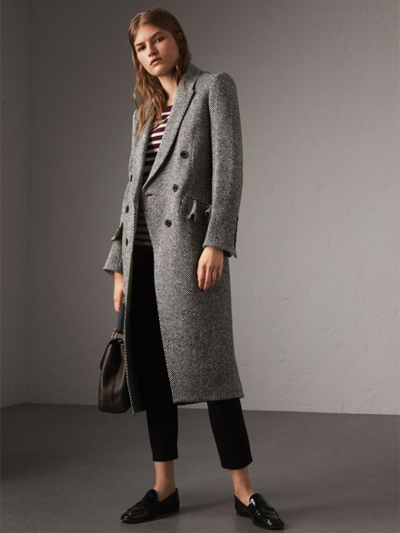Donegal Herringbone Wool Tweed Tailored Coat in Black