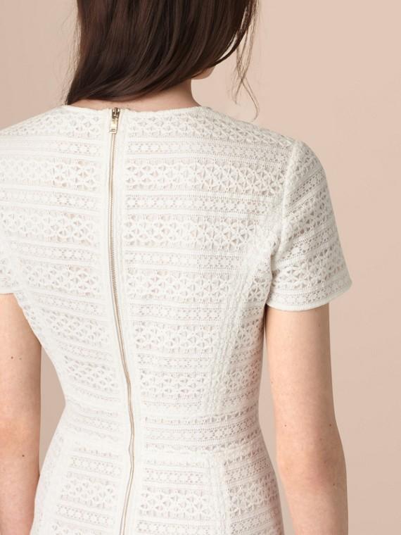 Blanc Robe trapèze en dentelle anglaise - cell image 3
