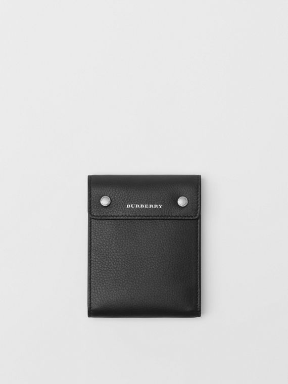 Press-stud Leather International Bifold Wallet in Black