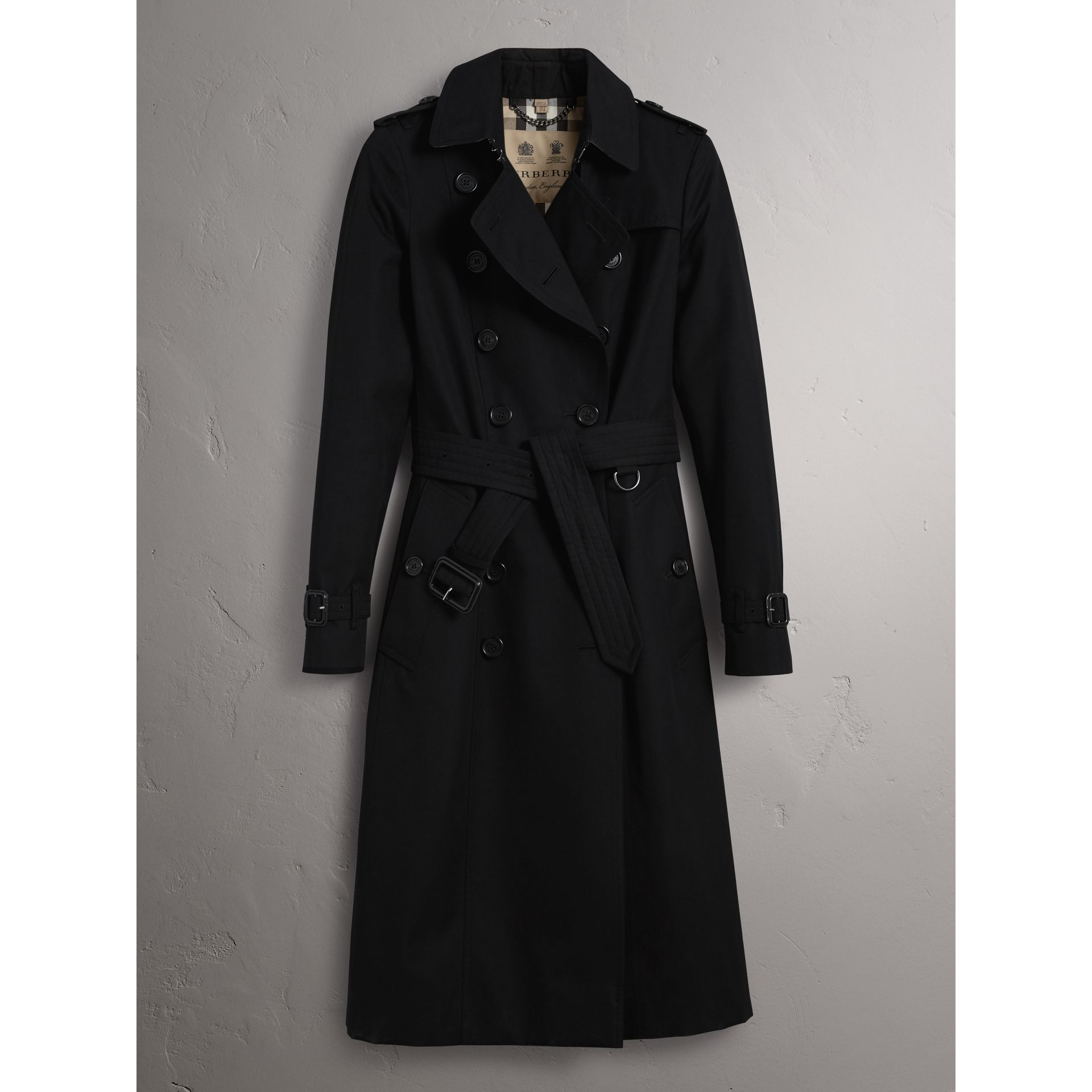 The Chelsea – Extra-long Trench Coat in Black - Women | Burberry - gallery image 3