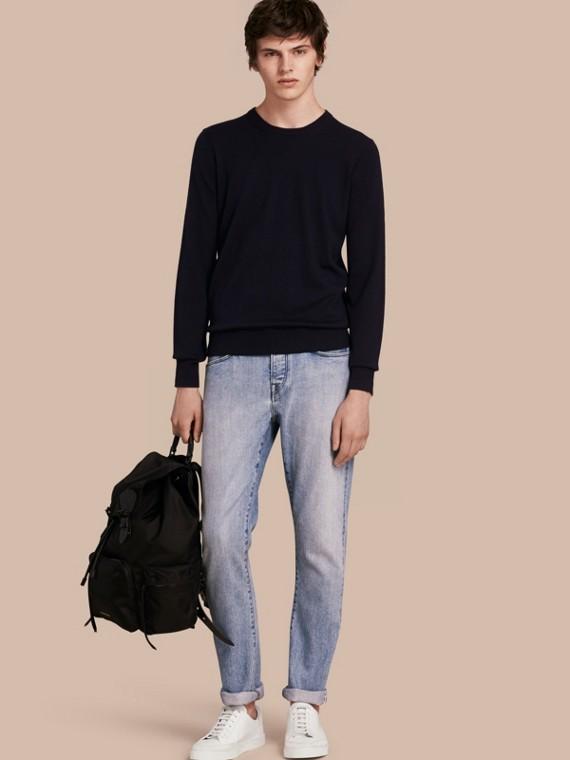 Calças de tecido jeans japonês claro com corte reto