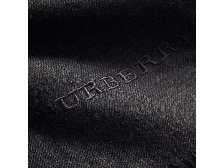 The Lightweight Cashmere Scarf in Charcoal | Burberry United States - cell image 4