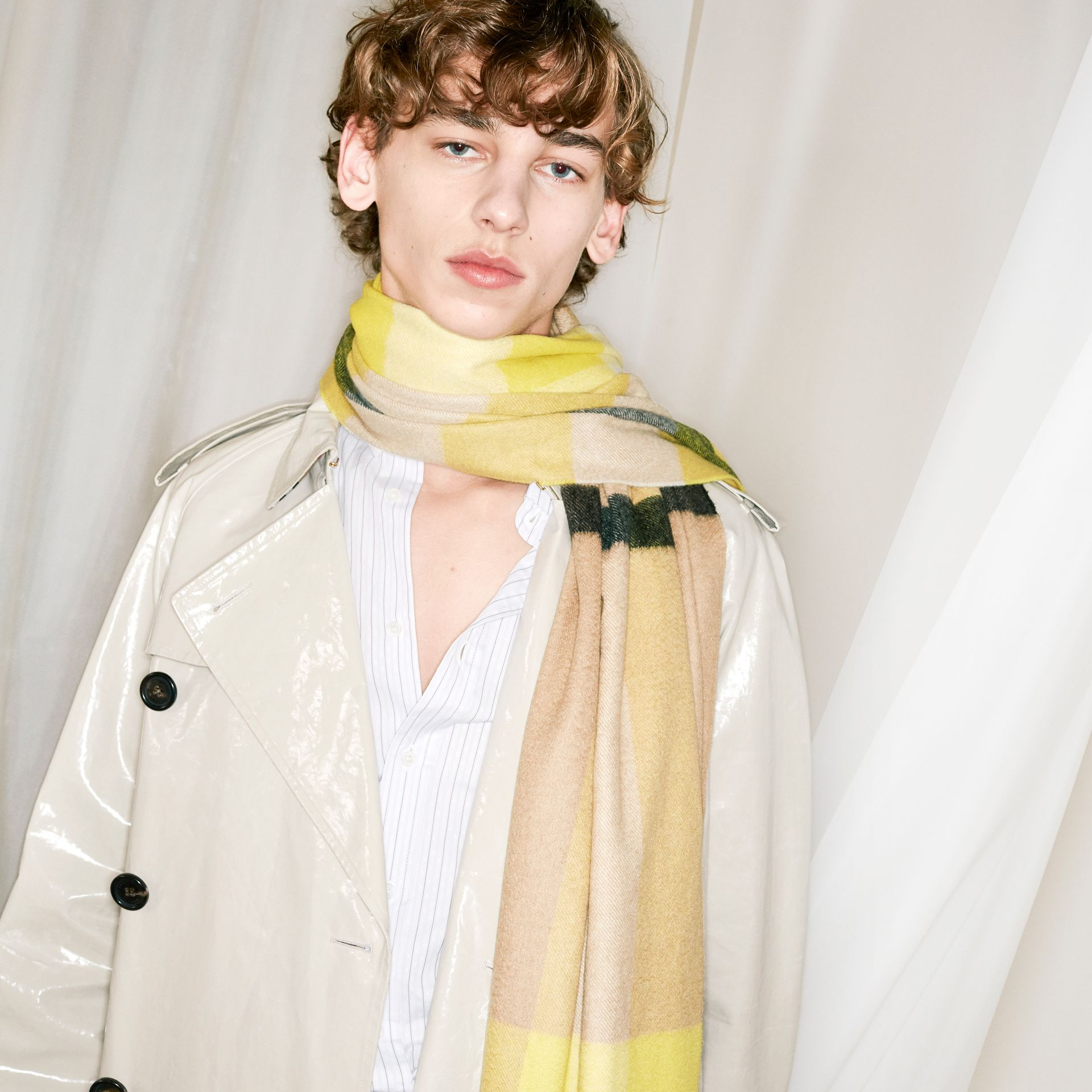 The Classic Check Cashmere Scarf in Bright Lemon | Burberry United Kingdom - gallery image 4