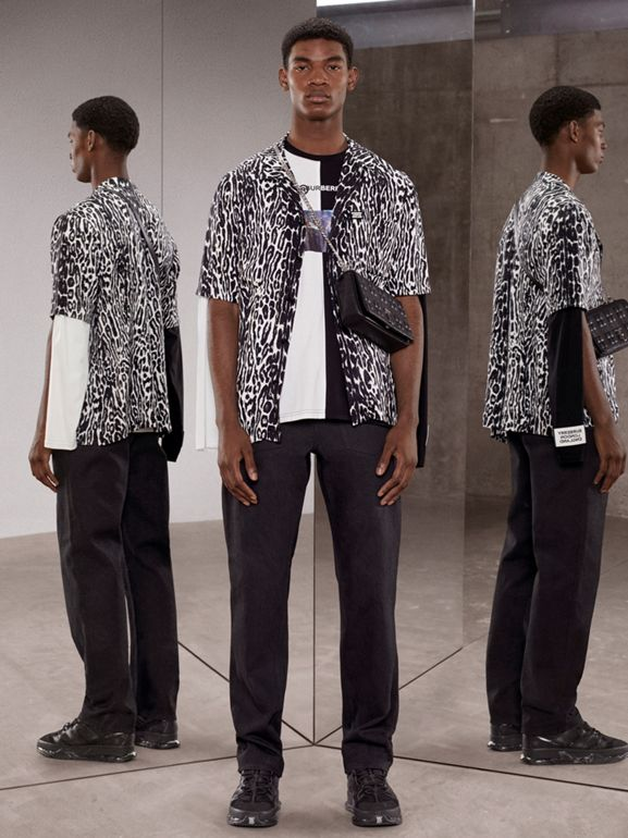 Haut oversize en coton à imprimé montage avec manches à découpes (Noir/blanc) - Homme | Burberry - cell image 1