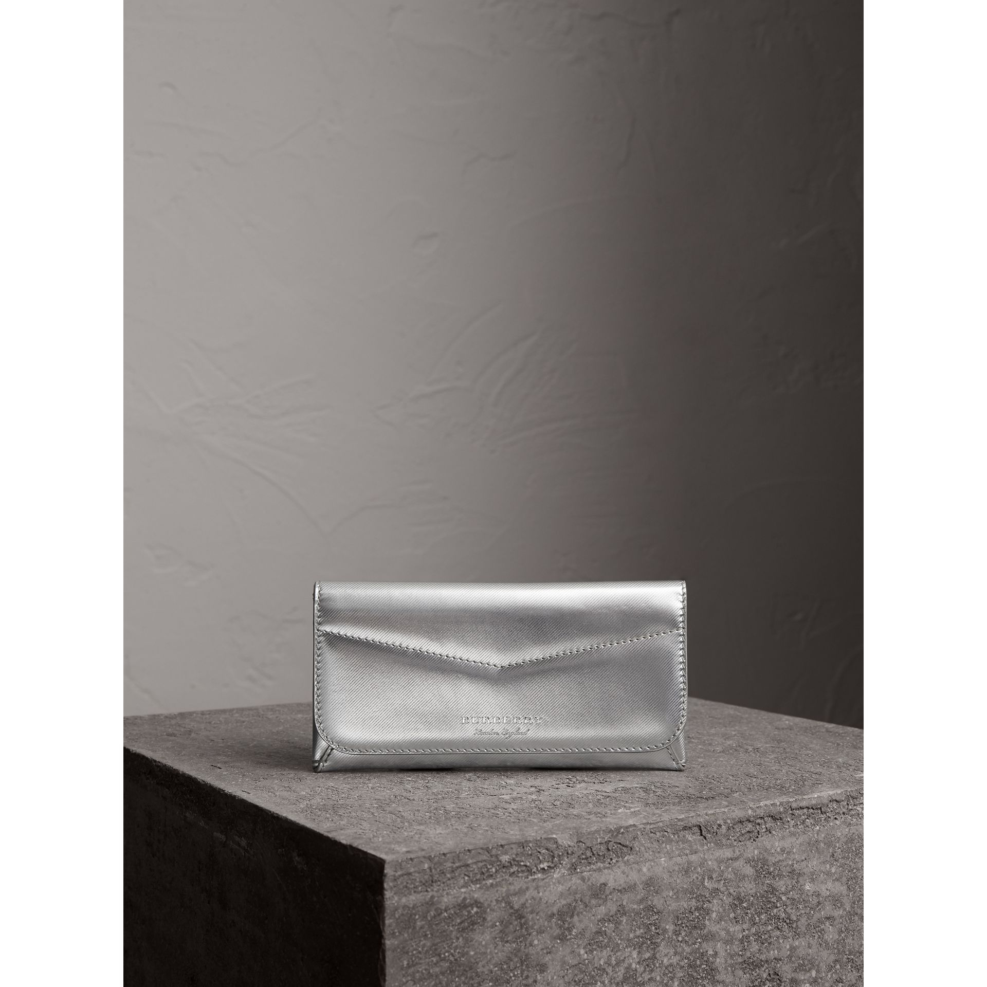 Metallic Trench Leather Envelope Wallet in Silver - Women | Burberry Australia - gallery image 4