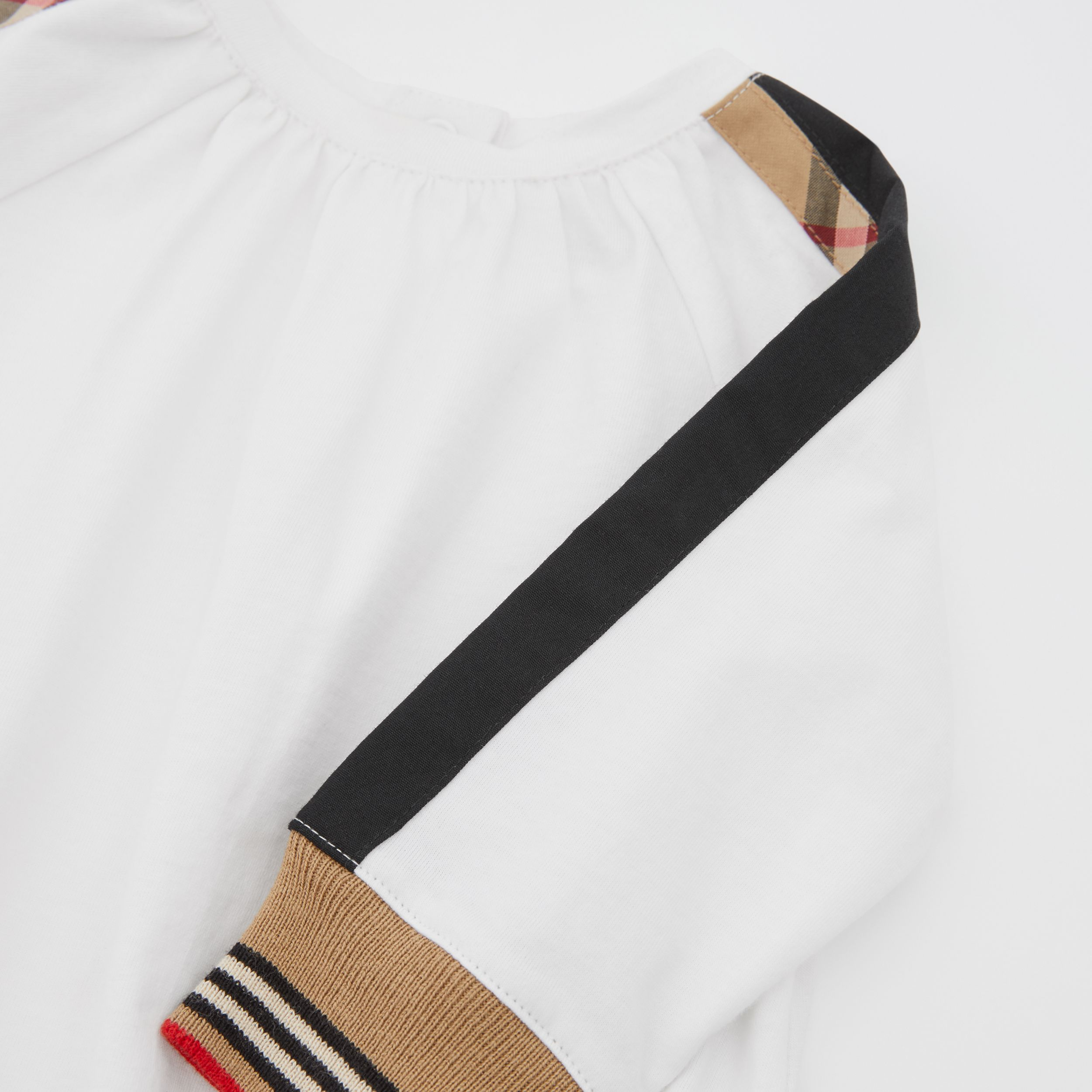 Vintage Check Detail Cotton Bodysuit in White - Children | Burberry - 2