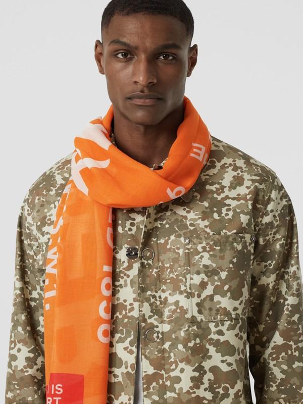 Sciarpa leggera in lana e seta con stampa Horseferry (Arancione Intenso) | Burberry - cell image 3
