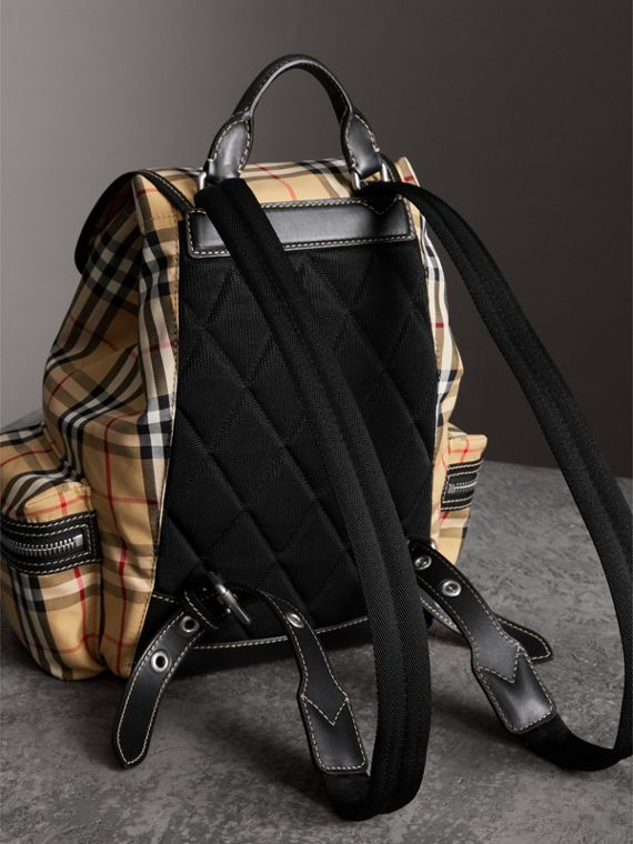 Zaino The Rucksack medio in tela di cotone con motivo Vintage check (Giallo Antico) - Donna | Burberry - cell image 2