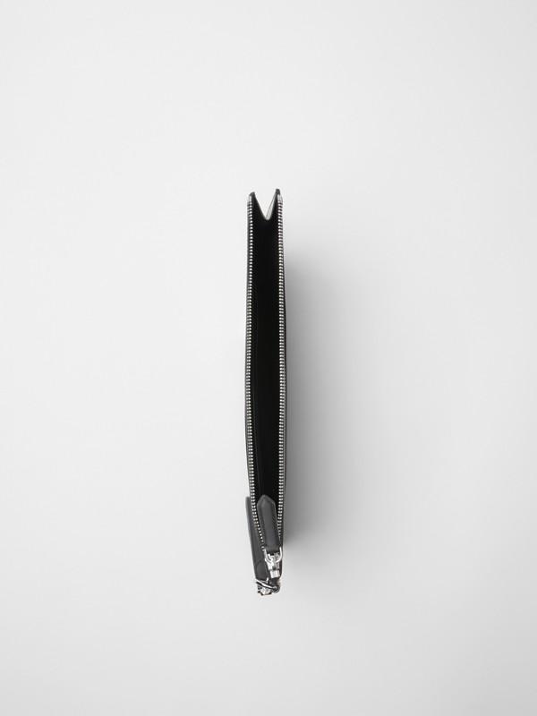 Pochette zippée à motif London check (Anthracite/noir)   Burberry Canada - cell image 3