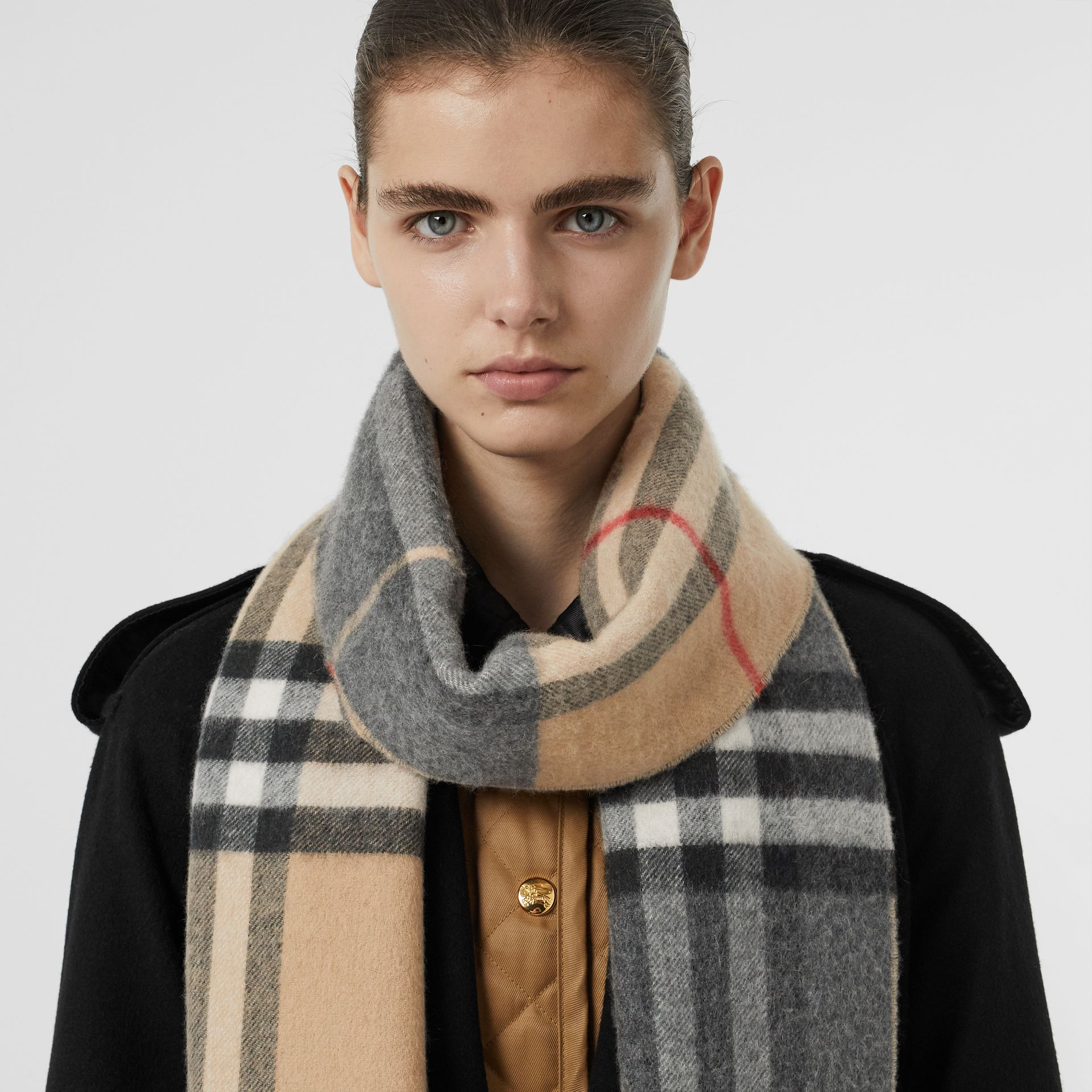 Long Reversible Check Double-faced Cashmere Scarf in Pewter Grey | Burberry Australia - gallery image 2