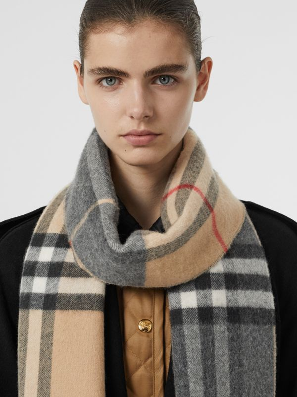 Long Reversible Check Double-faced Cashmere Scarf in Pewter Grey | Burberry Australia - cell image 2