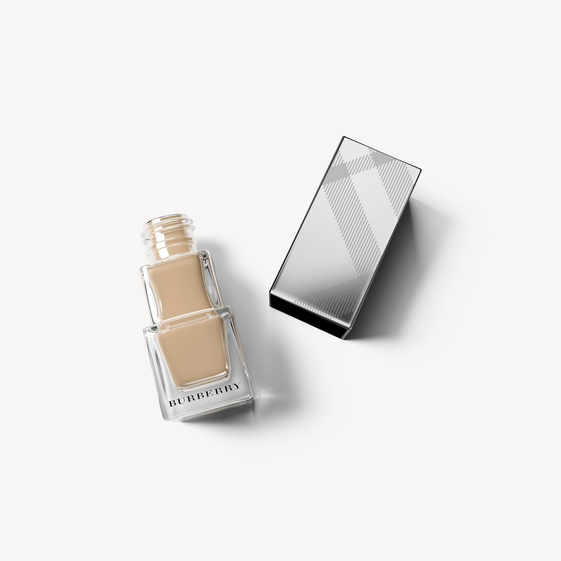 Nail Polish - Mink No.105 - Femme | Burberry - photo de la galerie 1