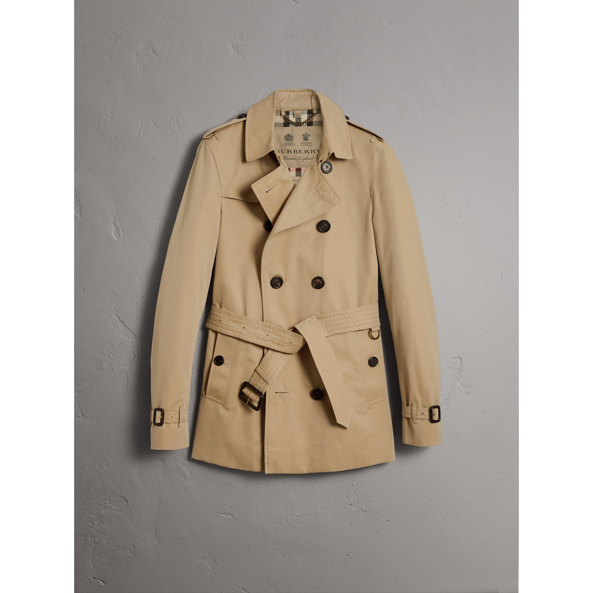 The Chelsea – Short Trench Coat in Honey - Men | Burberry United States - gallery image 3