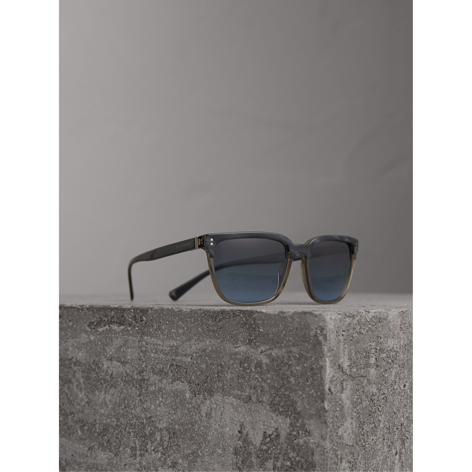 Square Frame Sunglasses in Navy - Men | Burberry United States - gallery image 0