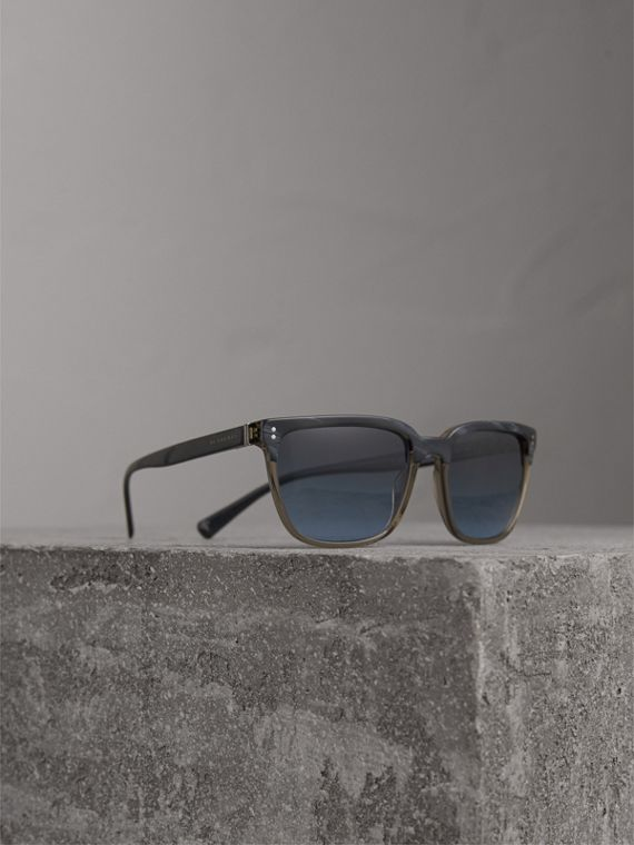 Square Frame Sunglasses in Navy - Men | Burberry Singapore