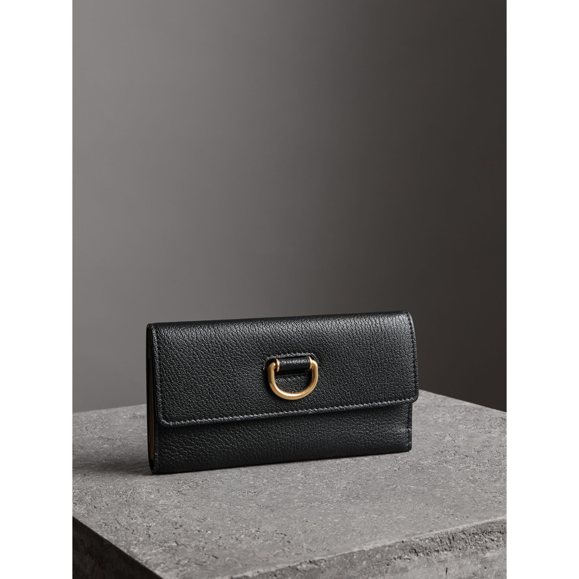 D-ring Grainy Leather Continental Wallet in Black - Women | Burberry - gallery image 4