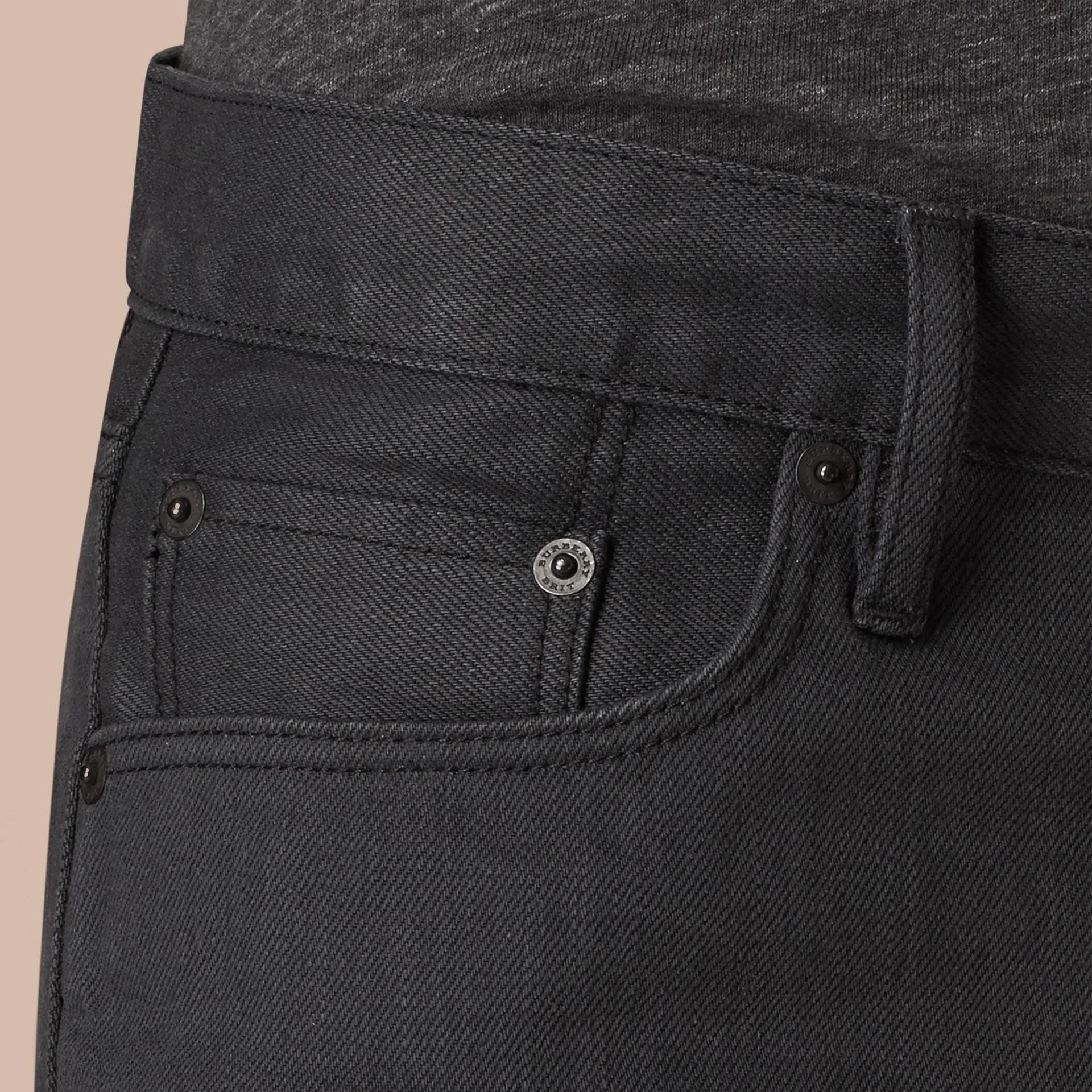Cinza tempestade Calças jeans de ourela japonesa com corte slim - galeria de imagens 6