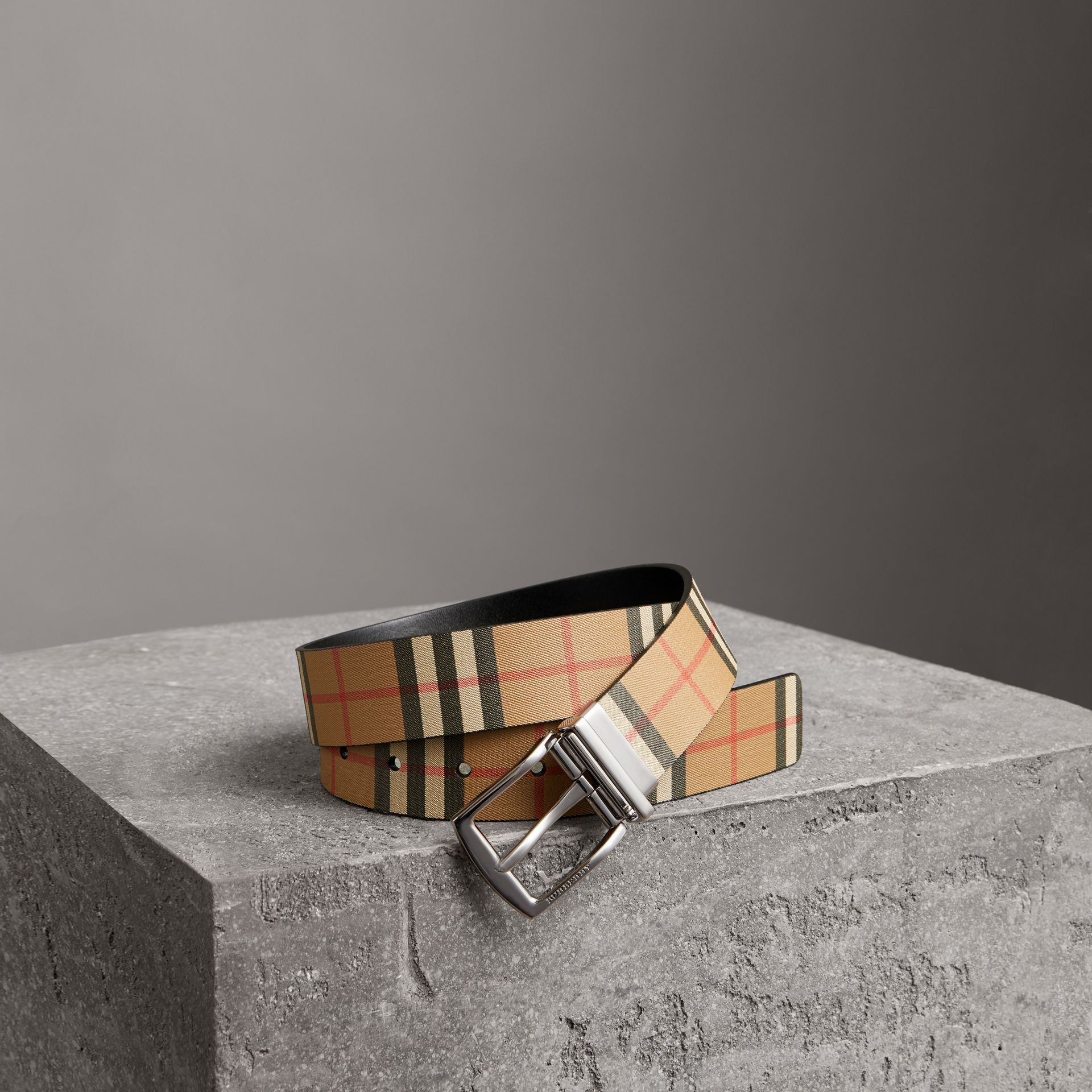 Reversible Vintage Check Leather Belt in Black - Men | Burberry Australia - gallery image 0