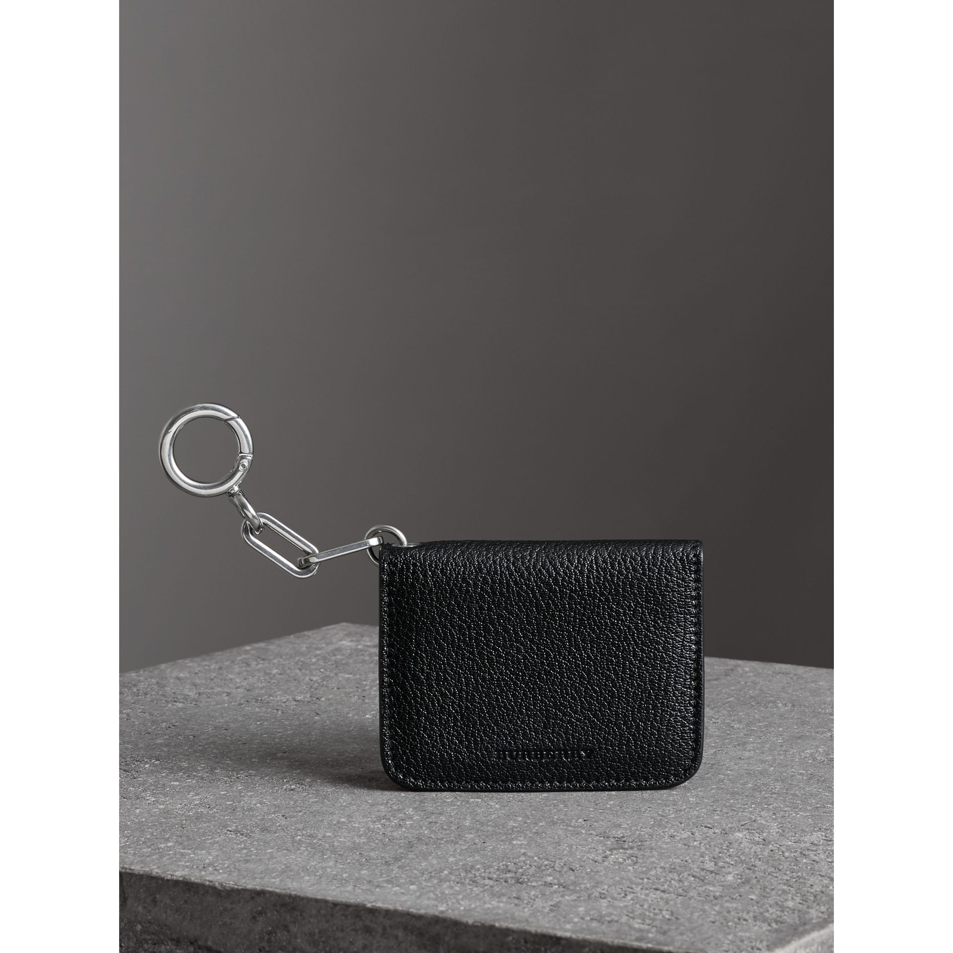 Link Detail Leather ID Card Case Charm in Black | Burberry - gallery image 4