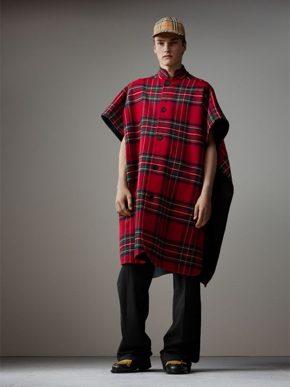 Reversible Tartan Wool Cashmere Poncho in Bright Red/dark Grey