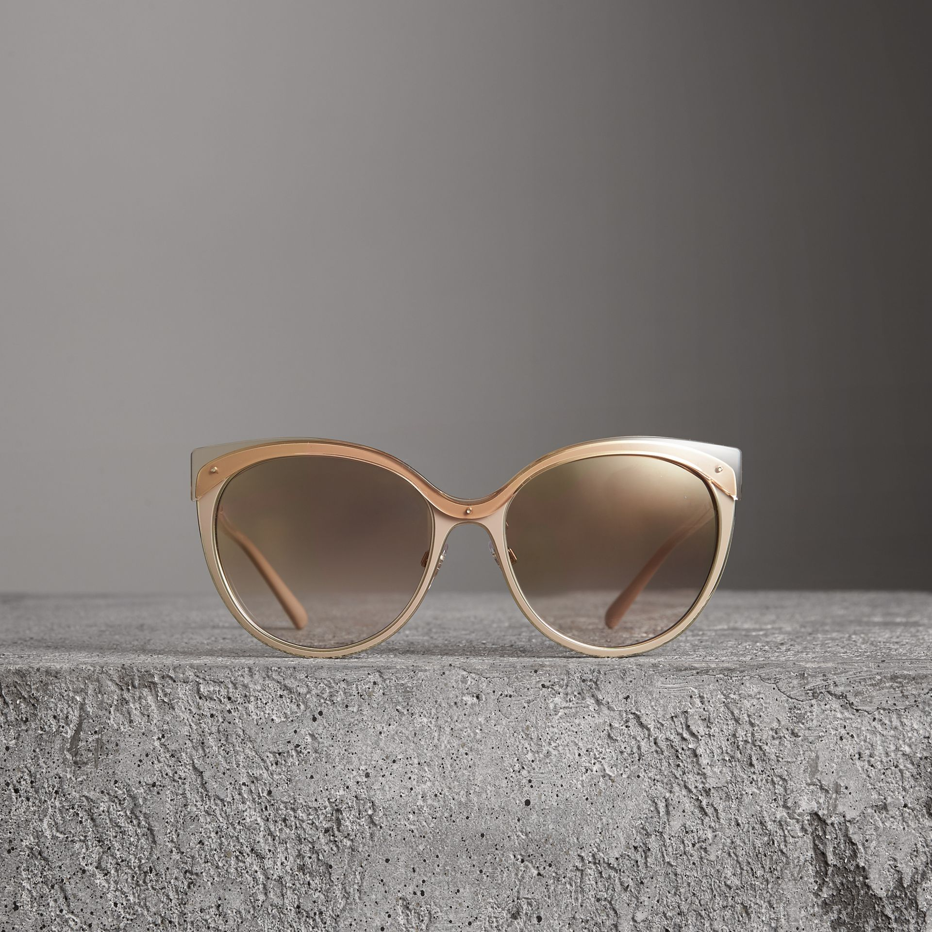 Two-tone Cat-eye Frame Sunglasses in Light Brown - Women | Burberry Canada - gallery image 3